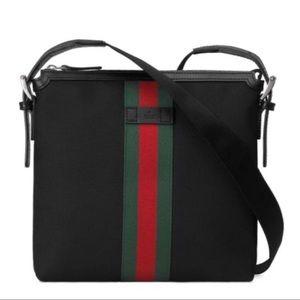Gucci Unisex's Medium messenger shoulder bag